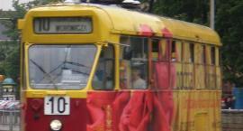 Dwa tramwaje – 10 i 18 – zderzyły się na skrzyżowaniu ulic Puławskiej i Goworka