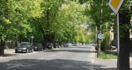 Odyńca, między al. Niepodległości a Puławską, bardziej przyjazna dla kierowców i dla… pieszych