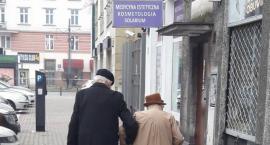 Na ulicy Narbutta spotkaliśmy Piękno – pisze Portal Warszawski i zamieszcza to zdjęcie