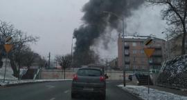 Płonie warsztat samochodowy przy ul. Racławickiej niedaleko Puławskiej