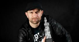 Kacper Anuszewski, utytułowany reżyser młodego pokolenia, z Mokotowa przeniósł się do Częstochowy