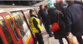 Armagedon w metrze: zmarł pasażer, który nagle zasłabł; metro było zablokowane