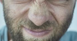 36-letni pasażer skody złamał nos pasażerowi opla na skrzyżowaniu Bukowińskiej i Puławskiej