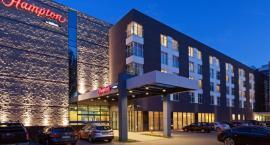 Przyszła kryska na Mordor? Hampton by Hilton Warsaw Mokotów zamiast biurowych klatek dla orków?