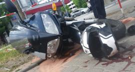 Policja poszukuje świadków wypadku, w którym na rogu Wołoskiej i Dąbrowskiego zginął motocyklista