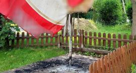 Odbiła mu palma, więc… podpalił w restauracji parasol ogrodowy
