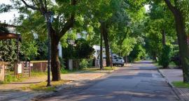 Najdłuższa ulica starej Sadyby – Orężna – najdłużej będzie czekać na remont i przebudowę