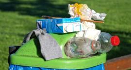 Mokotowskie śmieci miały być odbierane w całej dzielnicy przez MPO, a są… tu i ówdzie!