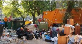 Śmieci na Mokotowie odbierane będą również w niedzielę: 40 dodatkowych śmieciarek na osiedlach