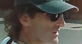 Jeśli ktoś rozpoznaje tego mężczyznę, niech dzwoni na Malczewskiego do policji. To złodziej!