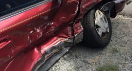 Na skrzyżowaniu Puławskiej i Malczewskiego mercedes uderzył w bok toyoty. Jedna osoba ranna!