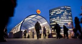 Będą nowe zadaszenia nad wejściami do stacji metra Politechnika i Pole Mokotowskie