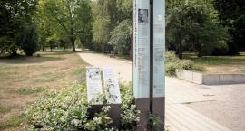 Ścieżką Ryszarda Kapuścińskiego... na Polu Mokotowskim, słuchając jego poezji czytanych osobiście