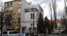 Czy to koniec horroru lokatorów przy Kazimierzowskiej 34? Sprawę wzięła wreszcie pod lupę komisja