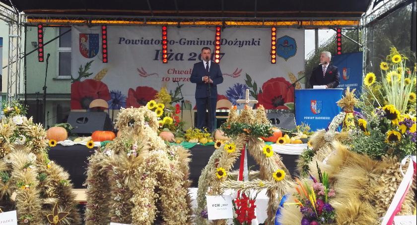 Powiat Radomski, Dożynki Powiatowo Gminne Powiat podziękował tegoroczne plony [FOTO] - zdjęcie, fotografia
