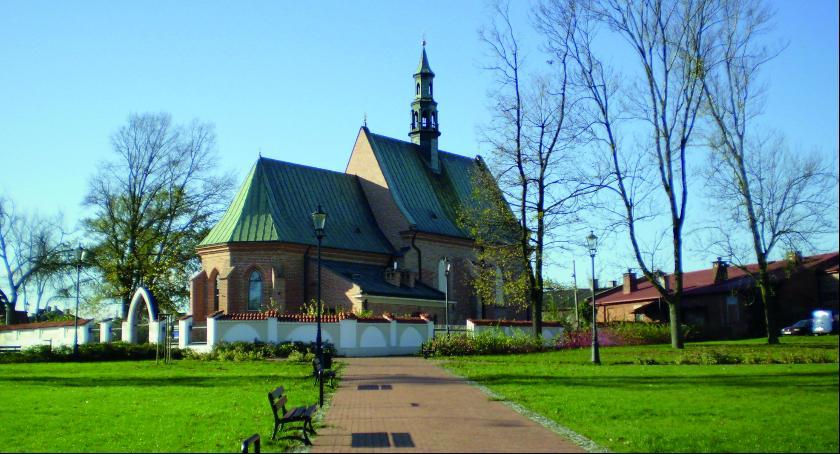 Felietony, Radomskie wędrówki historią Zapomniany cmentarz - zdjęcie, fotografia