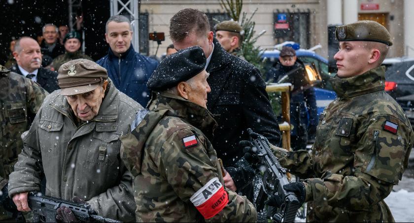 """Ważne, Pierwsze karabinki """"Grot"""" rękach żołnierzy [FOTO] - zdjęcie, fotografia"""