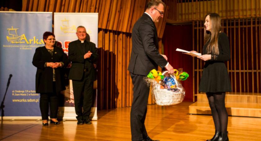 Wydarzenia, Nagrodzono najlepszych wolontariuszy - zdjęcie, fotografia