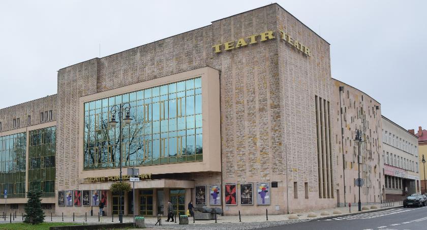 Teatr, UWAGA! Casting Teatrze Powszechnym śpiewającej młodzieży - zdjęcie, fotografia