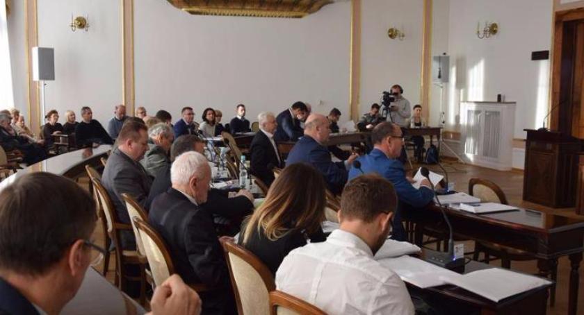 Informacje z Radomia i okolic , Radni podebatują budżetem stycznia - zdjęcie, fotografia