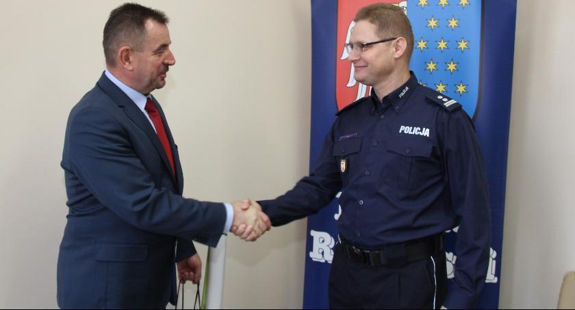 Powiat Radomski, Starosta radomski spotkał nowym komendantem miejskim policji - zdjęcie, fotografia