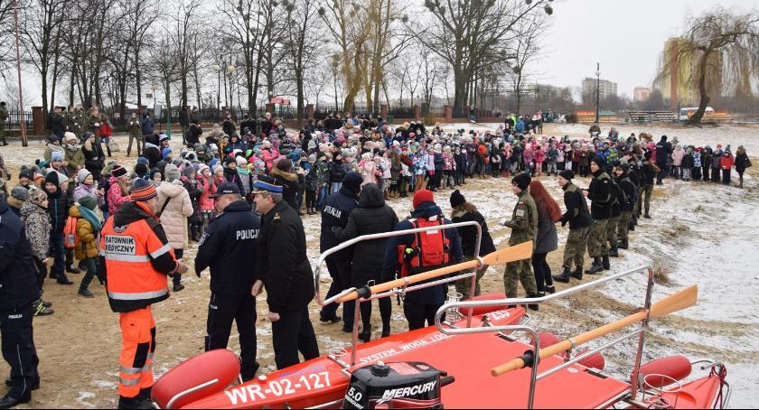 Informacje z Radomia i okolic , bezpieczeństwem podczas ferii radomskim zalewem [FOTO] - zdjęcie, fotografia