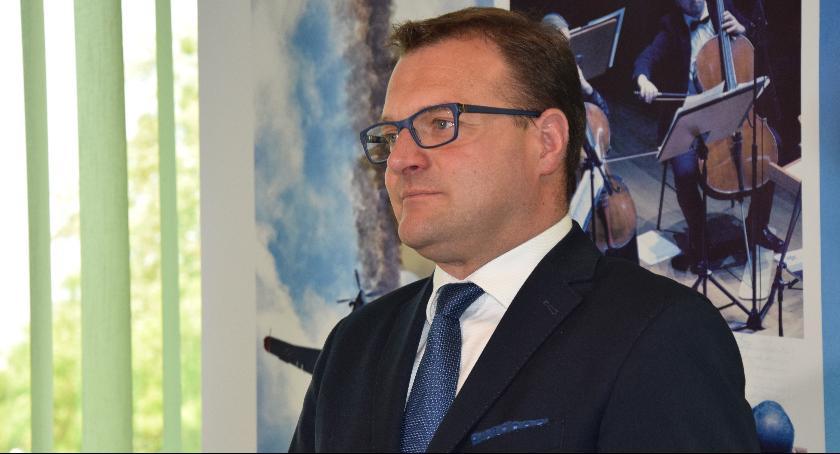 Ważne, Prezydent Witkowski odpowiada Porównywanie planu wydatków miarodajne - zdjęcie, fotografia