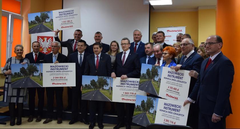 Powiat Radomski, Niemal przebudowę dróg powiatowych [FOTO] - zdjęcie, fotografia