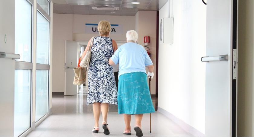 Powiat Radomski, Szpitale Iłży Pionkach wychodzą prostą - zdjęcie, fotografia