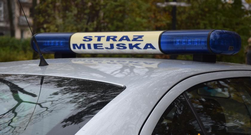 Interwencja, Bójka siedmiu osób centrum miasta Jedna miała sobie nóż - zdjęcie, fotografia