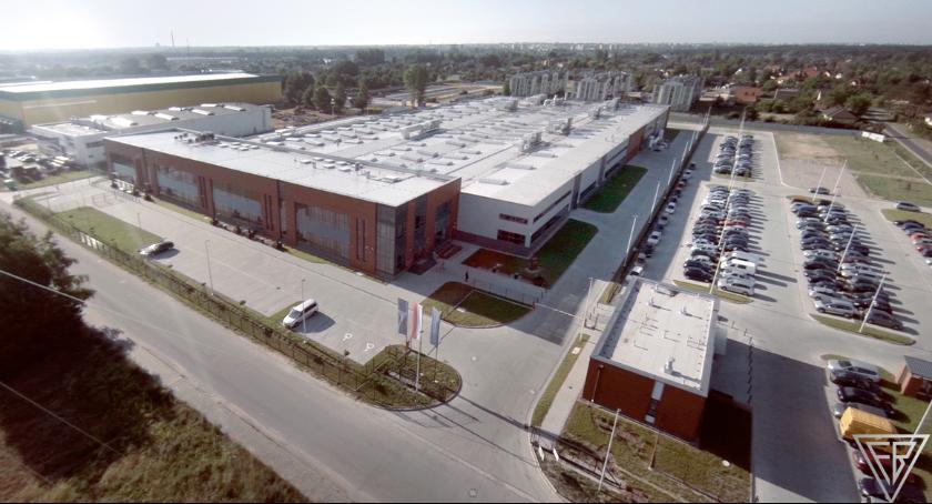 """Informacje z Radomia i okolic , Modernizacja zakup nowoczesnych urządzeń zwiększanie produkcyjnej Fabryce Broni """"Łucznik"""" - zdjęcie, fotografia"""