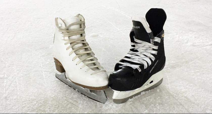 Sport - Inne, ostatnie skorzystać miejskiego lodowiska - zdjęcie, fotografia
