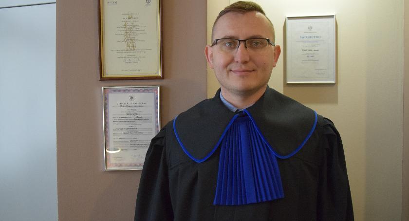 """Wywiad, """"Prawnik """"Pro Publico"""" zobowiązanie odpowiedzialność"""" Rozmowa Karolem Sońtą - zdjęcie, fotografia"""