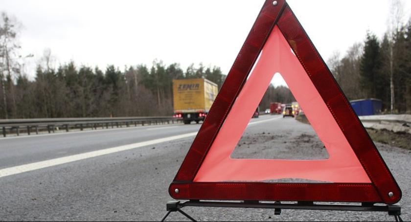 """Wypadki, Zderzenie dwóch samochodów krajowej """"12"""" - zdjęcie, fotografia"""