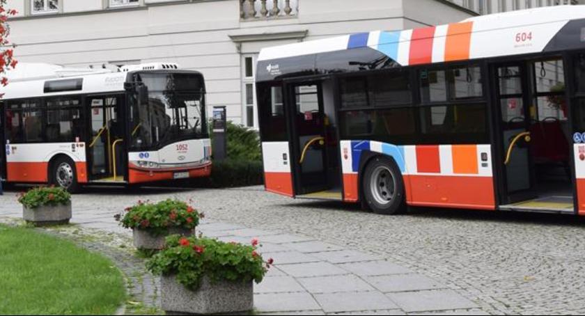 Informacje z Radomia i okolic , autobusy radomskich ulicach - zdjęcie, fotografia