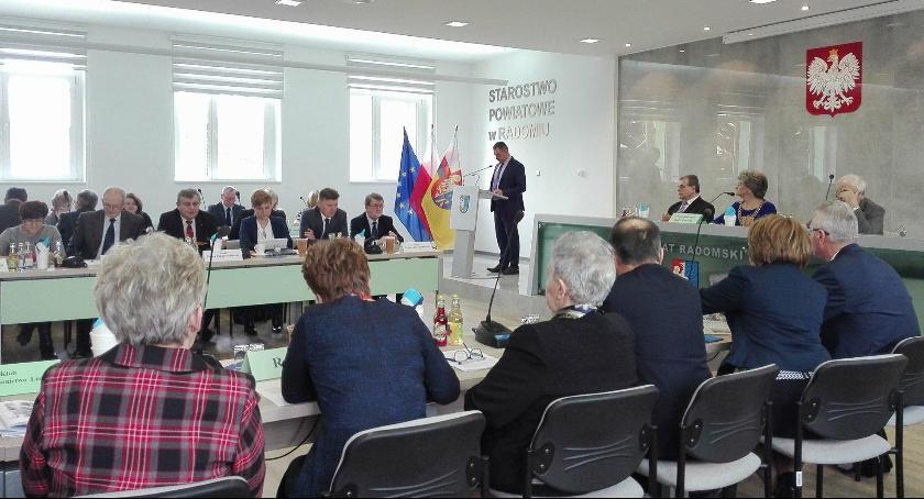 Powiat Radomski, XXXII sesja Powiatu [FOTO] - zdjęcie, fotografia