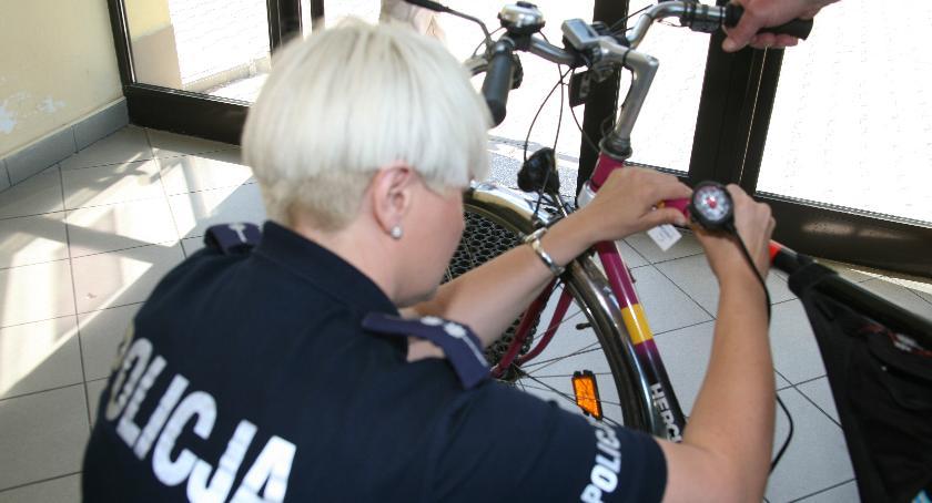 Policja Radom, Policja zachęca znakowania rowerów - zdjęcie, fotografia