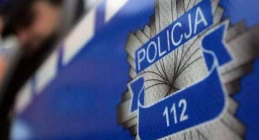 Kronika kryminalna, Wpadł ręce policji ukradł damską torebkę - zdjęcie, fotografia