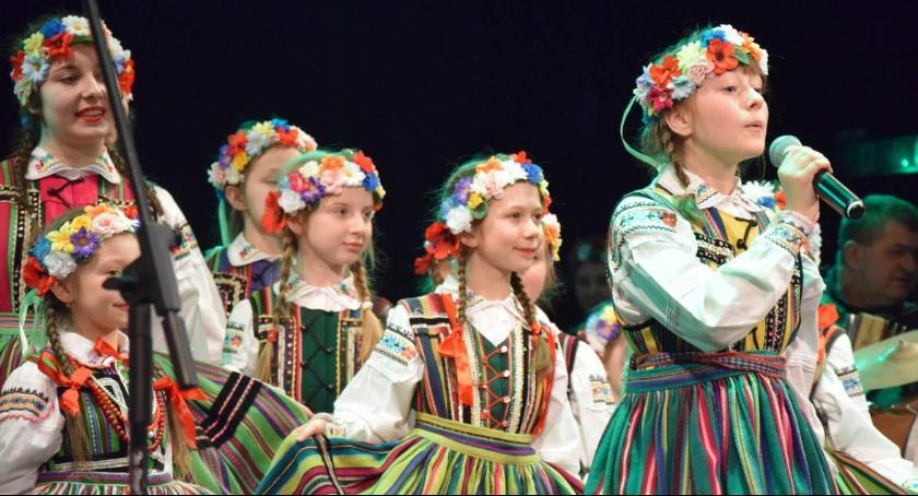 Koncerty, Wiosenny koncert ludową nutę - zdjęcie, fotografia