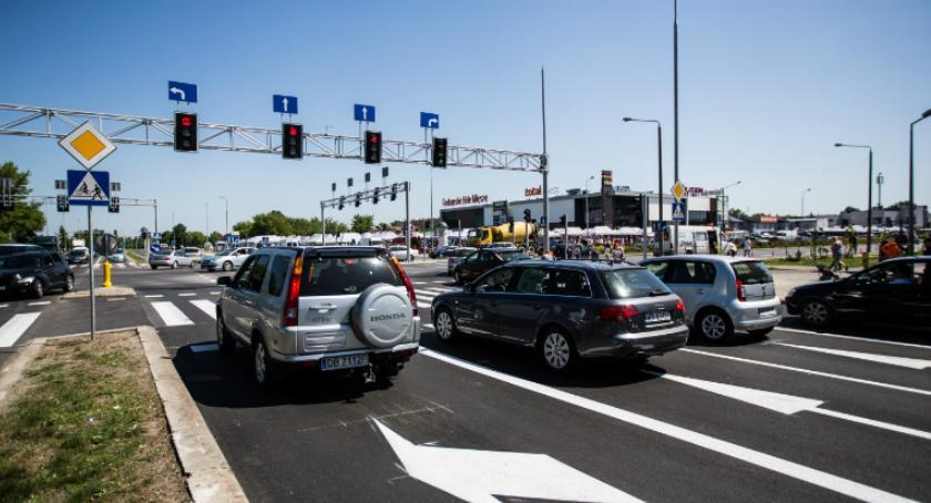Ważne, Niebezpieczne skrzyżowanie przebudowane - zdjęcie, fotografia