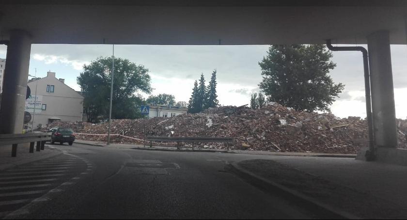 Inwestycje, Budowa trasy Wyburzone kamienice - zdjęcie, fotografia