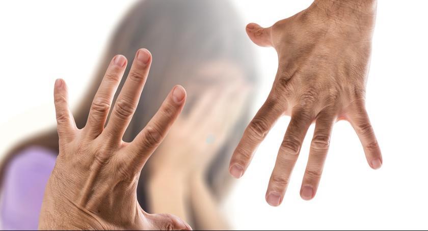 Kronika kryminalna, Agresywny mężczyzna szarpał kobietę centrum miasta - zdjęcie, fotografia