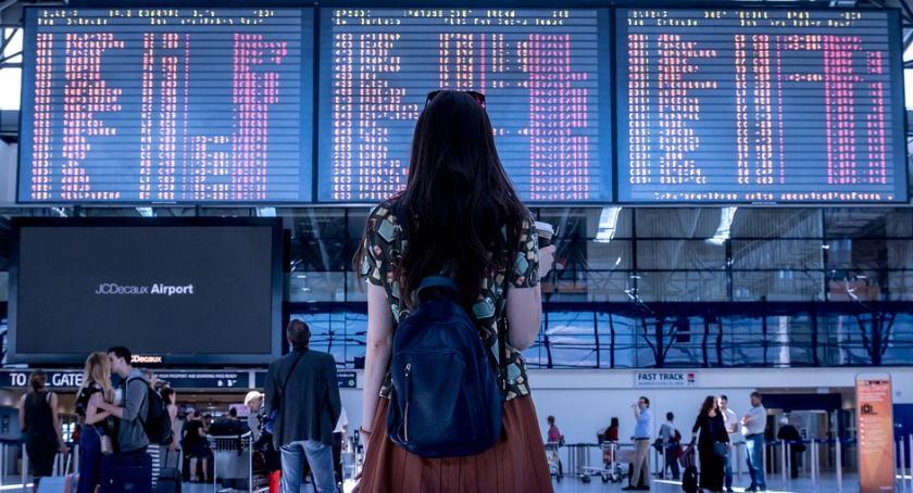 Inwestycje, pasażerów rocznie będzie mogło skorzystać lotniska Radomiu - zdjęcie, fotografia