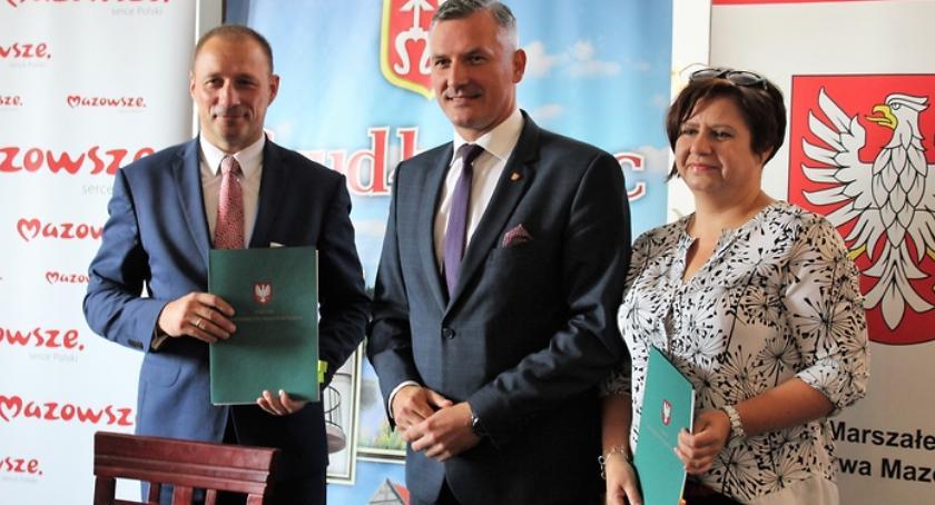 Inwestycje, budżetu województwa mazowieckiego modernizację Szydłowcu - zdjęcie, fotografia