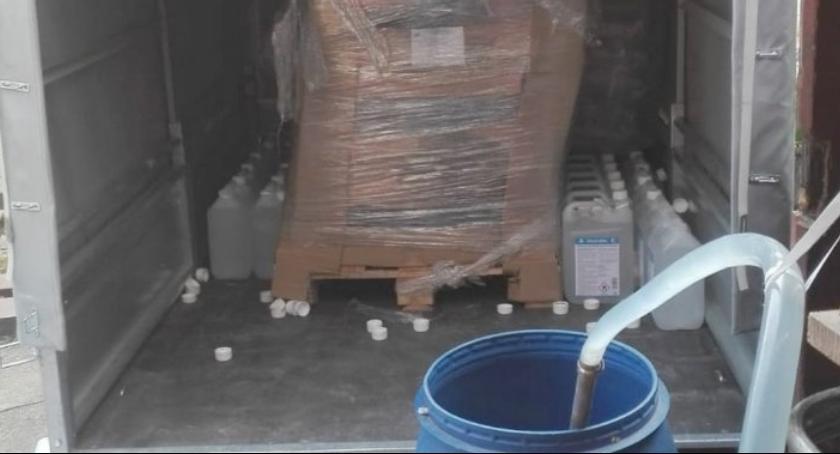 Kronika kryminalna, Oczyszczał sprzedawał skażony alkohol etylowy - zdjęcie, fotografia