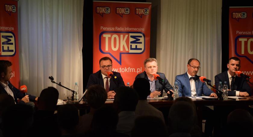 Ważne, Pierwsza debata kandydatów prezydenta Radomia [FOTO] - zdjęcie, fotografia