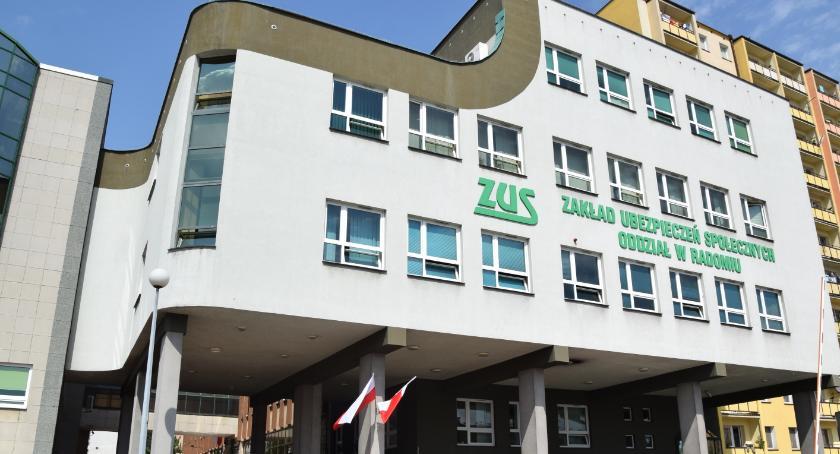 Informacje z Radomia i okolic , obniżeniu wieku emerytalnego - zdjęcie, fotografia
