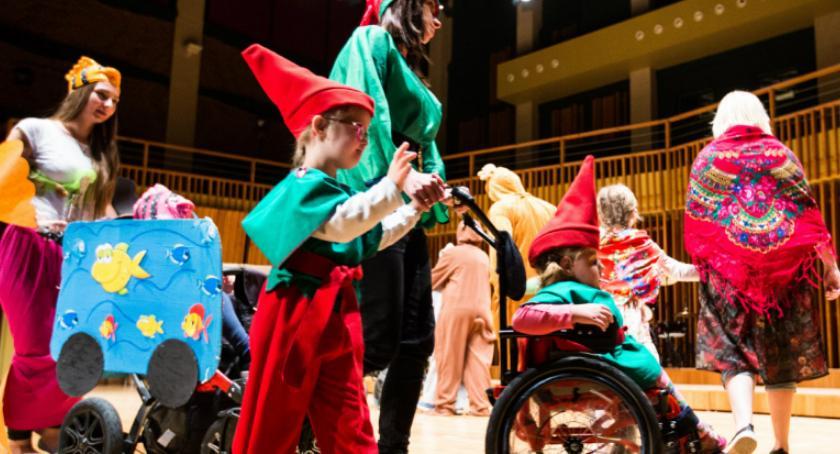 Rozrywka, Festiwal Twórczości Artystycznej Osób Niepełnosprawnych - zdjęcie, fotografia