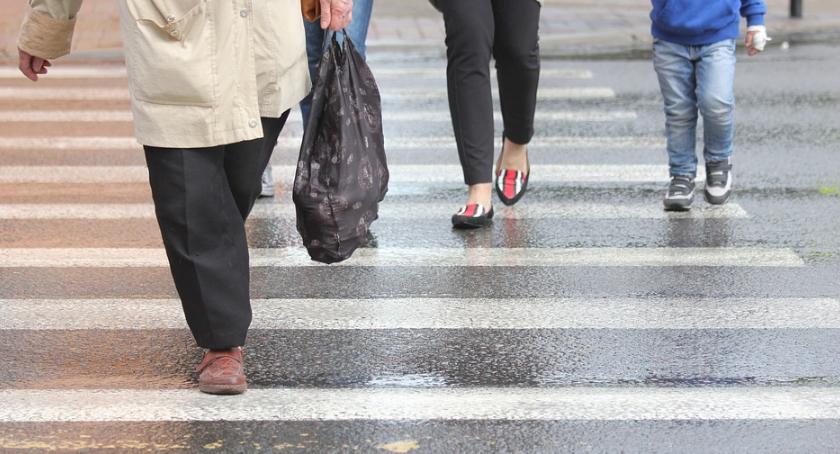 Policja Radom, Kierowcy piesi zachowajcie ostrożność! - zdjęcie, fotografia