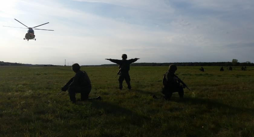 Informacje z Radomia i okolic , Obrona Terytorialna współdziałała lotnikami [FOTO] - zdjęcie, fotografia